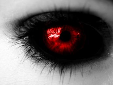 vampire__s_eye_by_candie_gal101.png